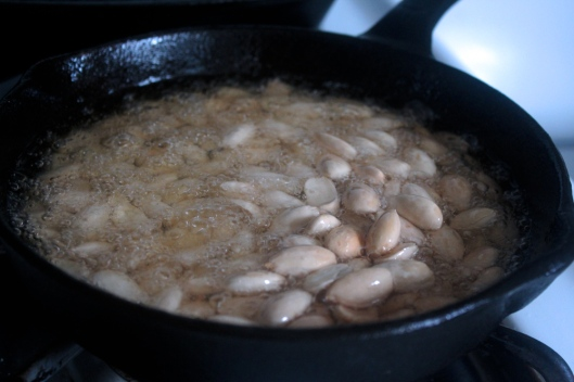 almonds_frying